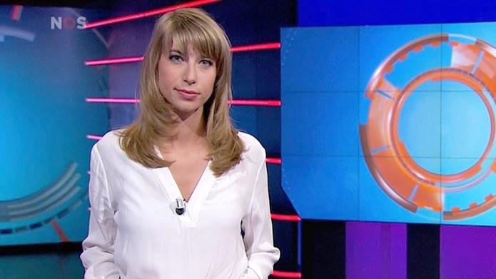 Rivkah op het Veld de Girl Next Door van Studio Sport ...
